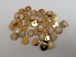 wit goudkleurige  knopen 15 mm