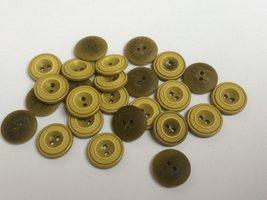 mosterd kleurige  knopen 15 mm