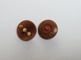 bruine knoop met kralen 22mm