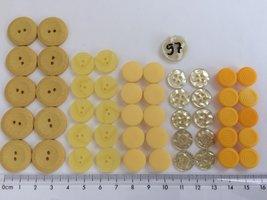 set 97  geel