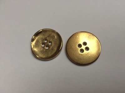 goudkleurige knoop  25 mm