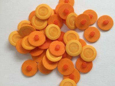 oranje knopen